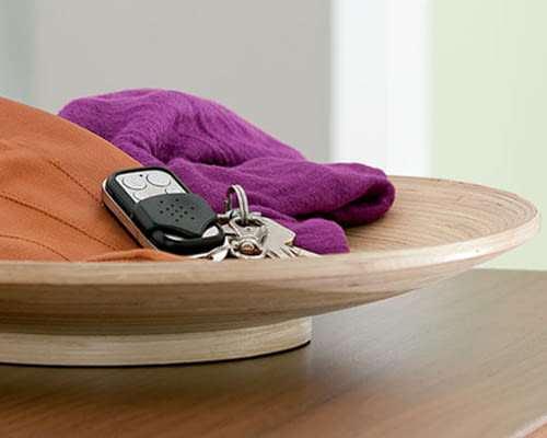 fernbedienung f r den schl sselbund devolo home control fernbedienung klein flexibel und. Black Bedroom Furniture Sets. Home Design Ideas