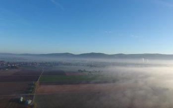 DJI Phantom 4 – schöner Drohnenflug – Nebel – Wolken