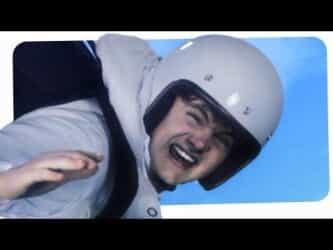 Video thumbnail for youtube video Felix Baumgartner unser aller Superheld Dreibeinblog