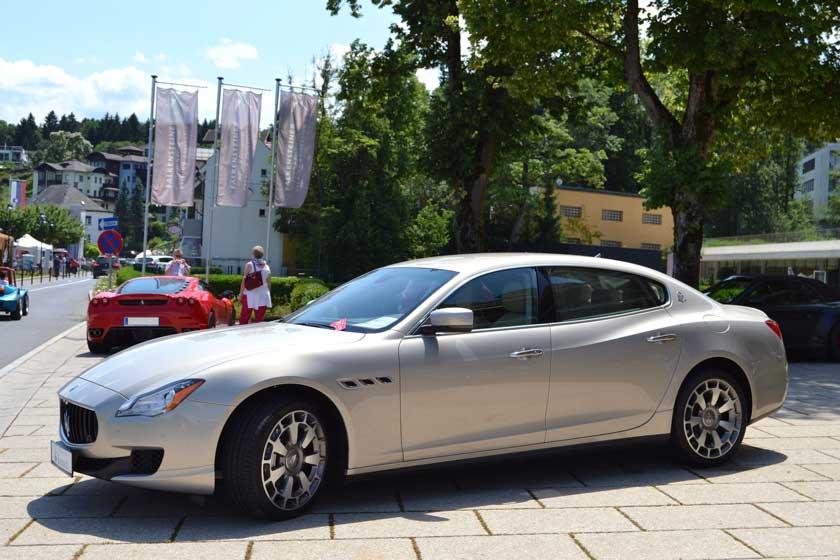 Von der Formensprache ganz ähnlich: Der Maserati Quattroporte