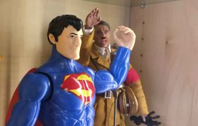 Superman v Adolf Hitler