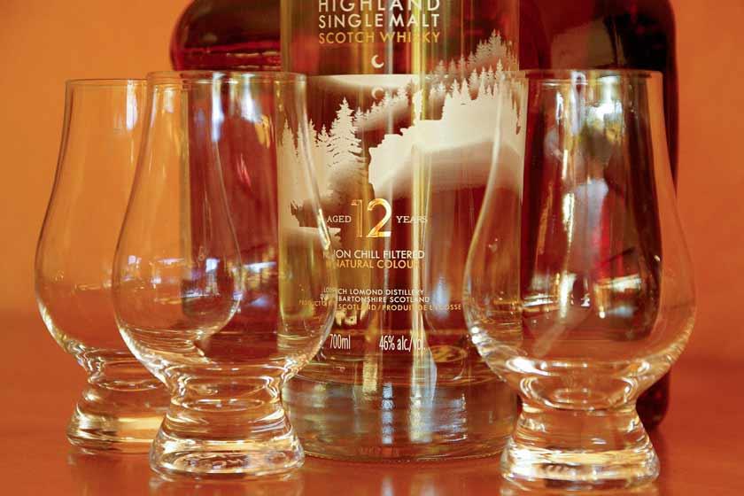 whisky-585192_1920